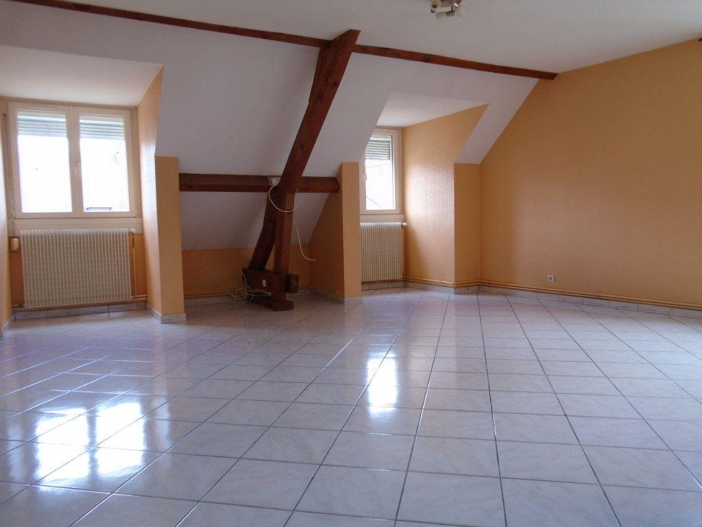 Appartement à louer 3 73.59m2 à Langres vignette-1