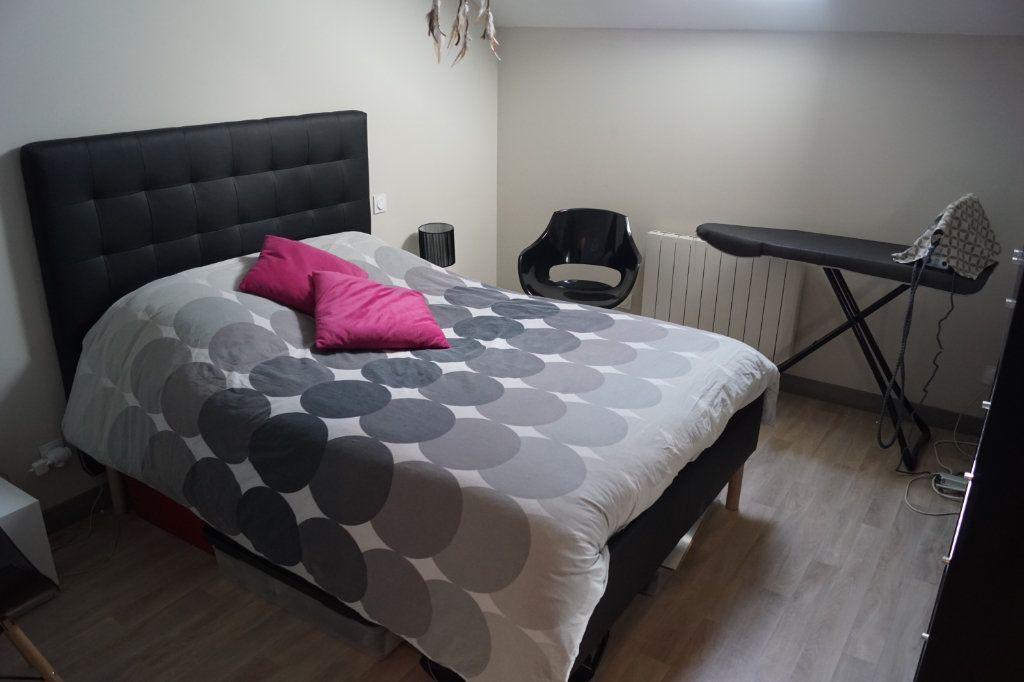 Appartement à louer 3 81m2 à Langres vignette-4