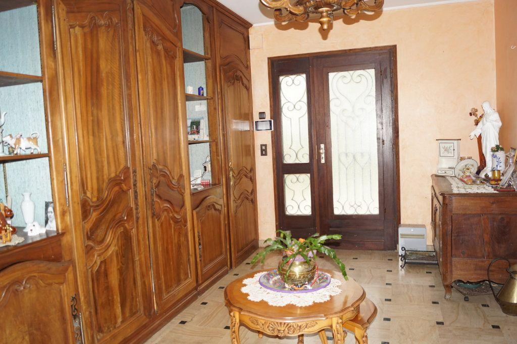 Maison à vendre 7 210m2 à Langres vignette-6