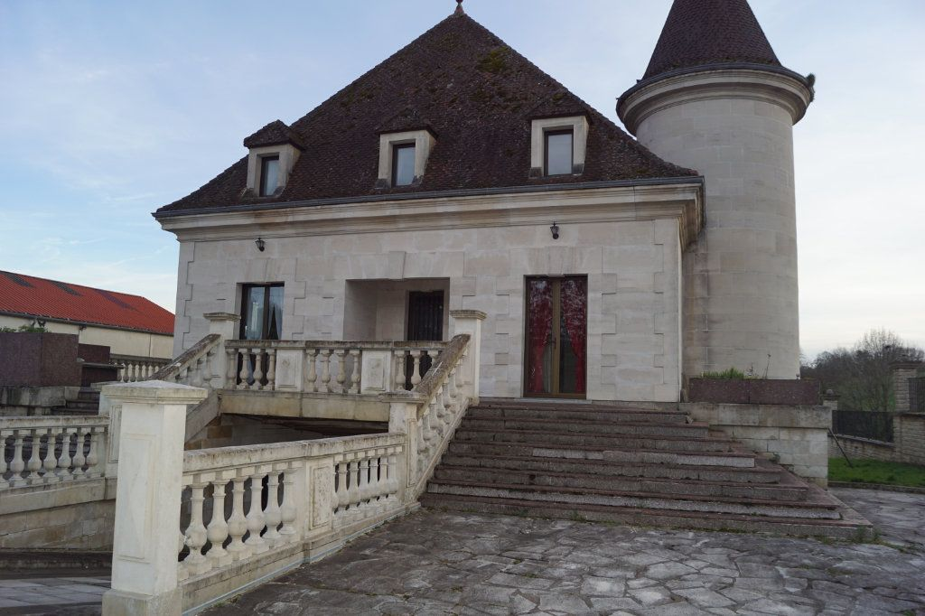 Maison à vendre 4 140m2 à Longeau-Percey vignette-1