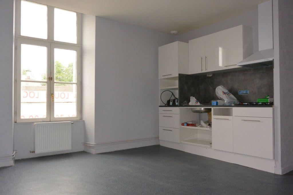 Appartement à louer 2 42.9m2 à Langres vignette-1