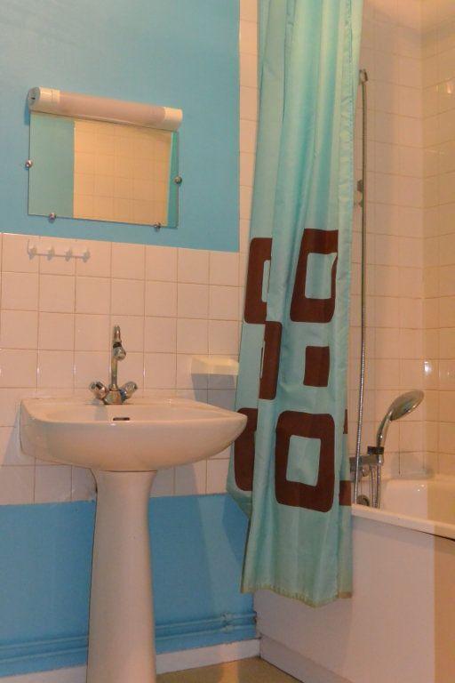 Appartement à louer 2 42.9m2 à Langres vignette-3