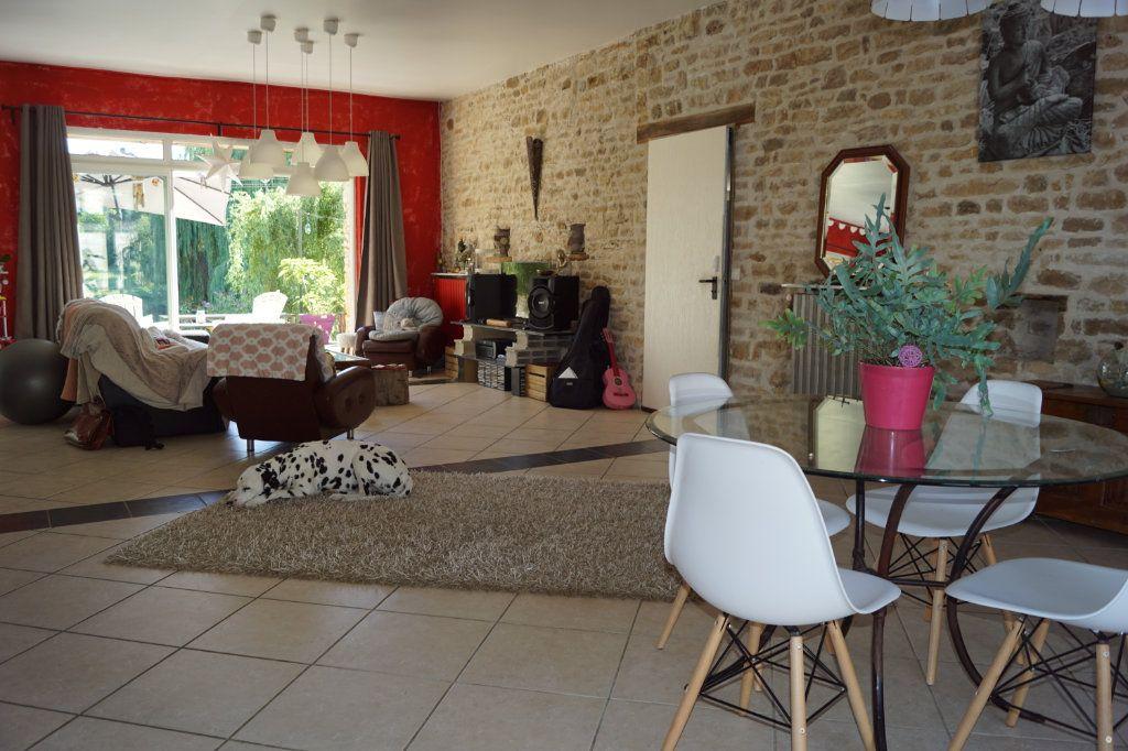 Maison à vendre 5 235m2 à Le Pailly vignette-1