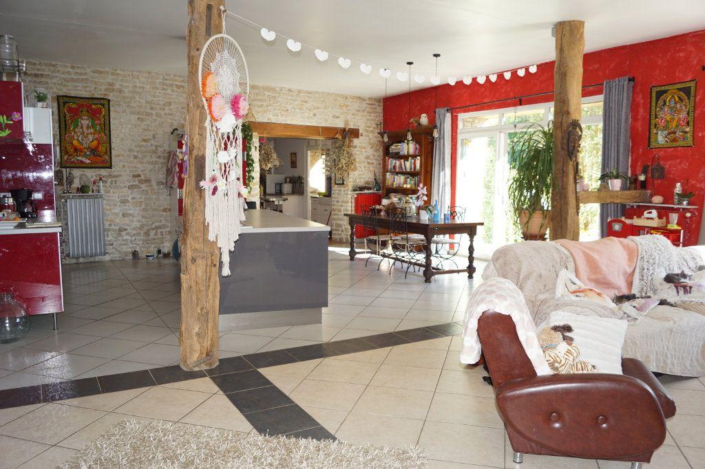 Maison à vendre 5 235m2 à Le Pailly vignette-3