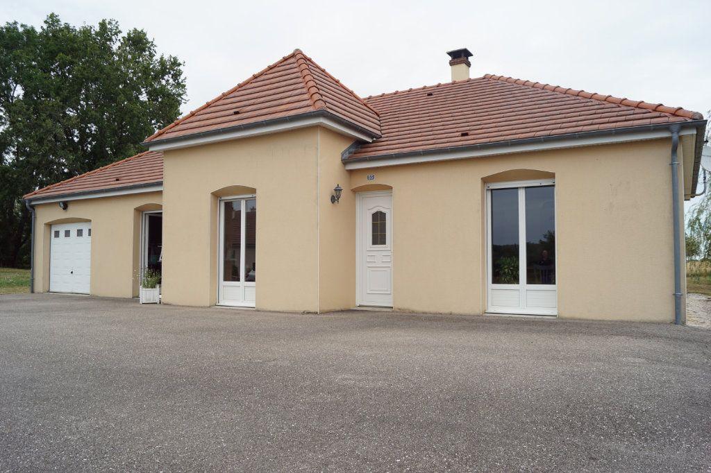 Maison à vendre 4 103m2 à Neuilly-l'Évêque vignette-1