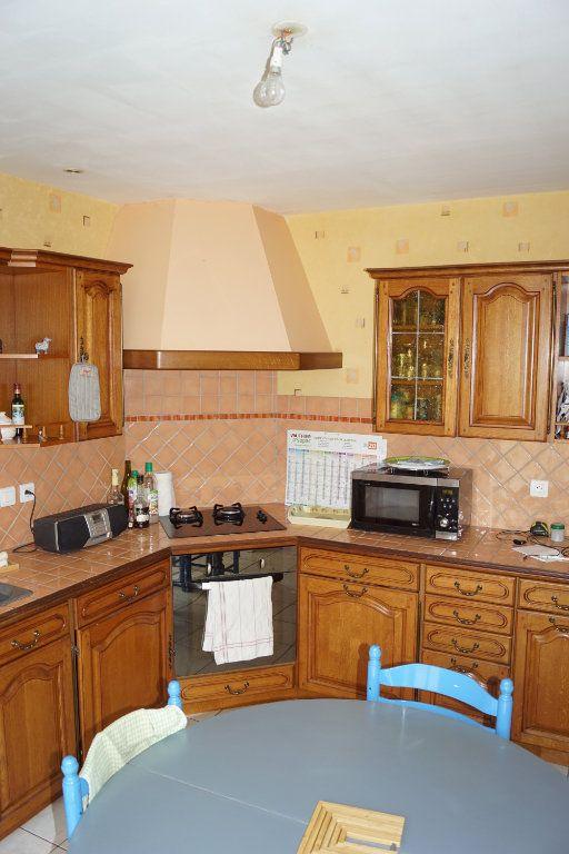 Maison à vendre 4 103m2 à Neuilly-l'Évêque vignette-2