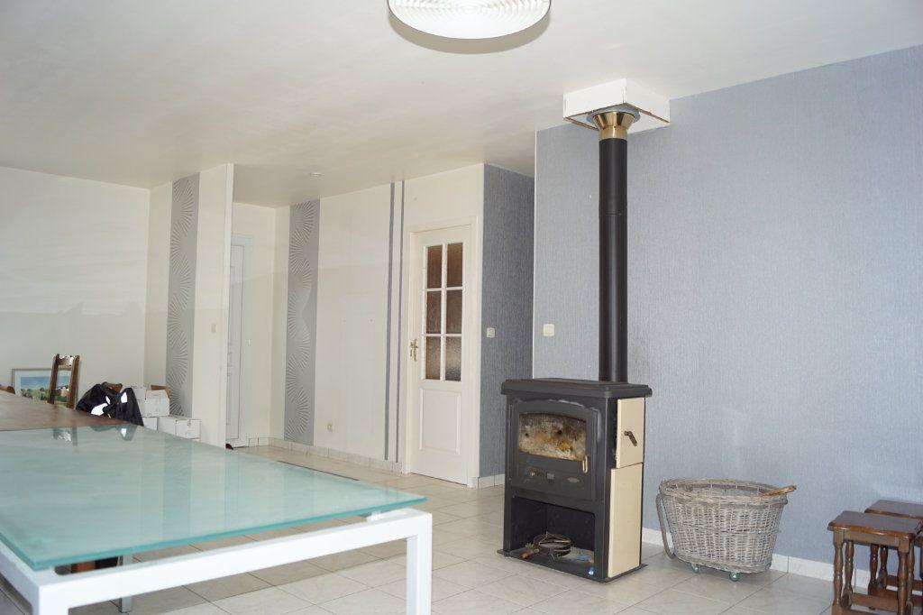 Maison à vendre 4 103m2 à Neuilly-l'Évêque vignette-6