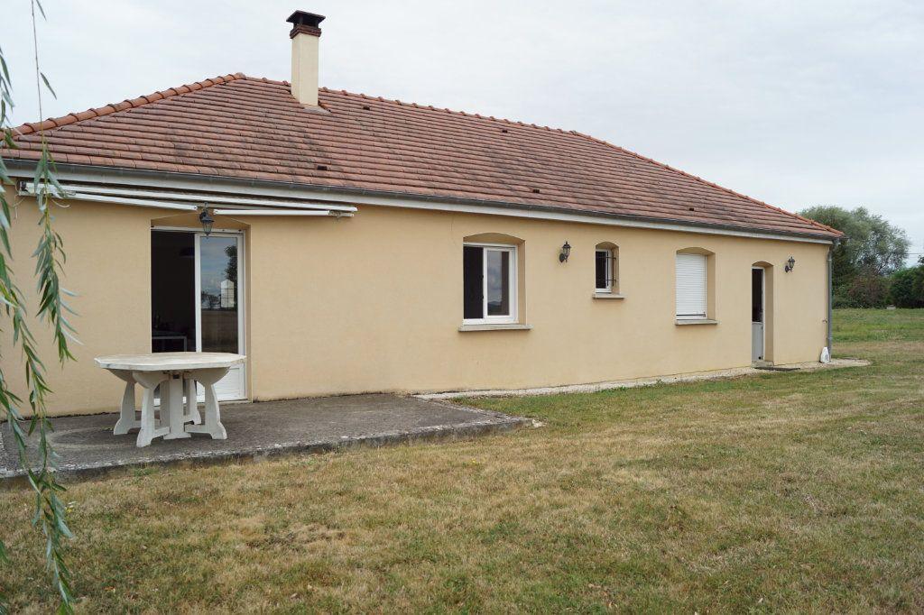 Maison à vendre 4 103m2 à Neuilly-l'Évêque vignette-9