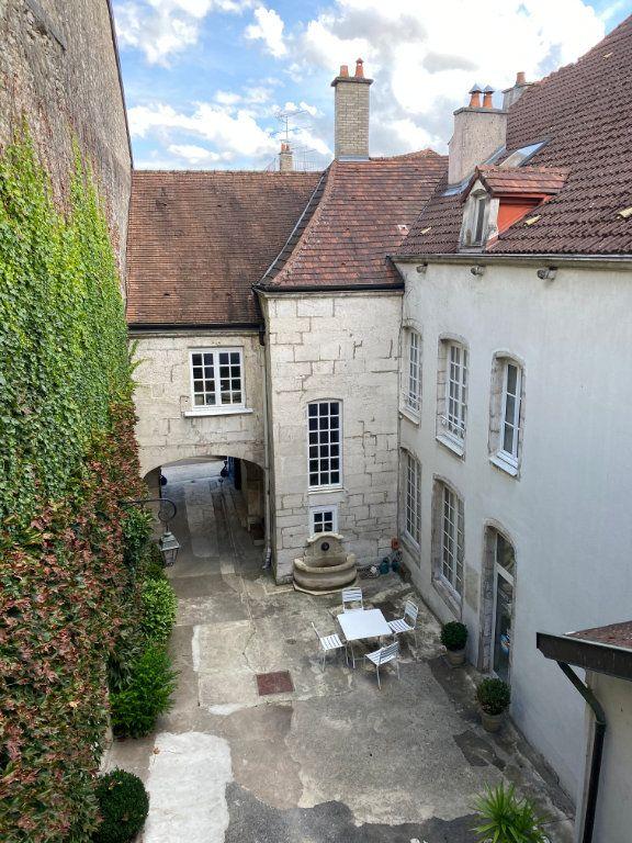Appartement à louer 2 52m2 à Chaumont vignette-1