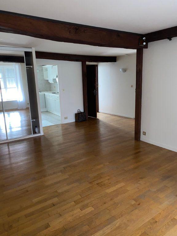 Appartement à louer 2 52m2 à Chaumont vignette-3