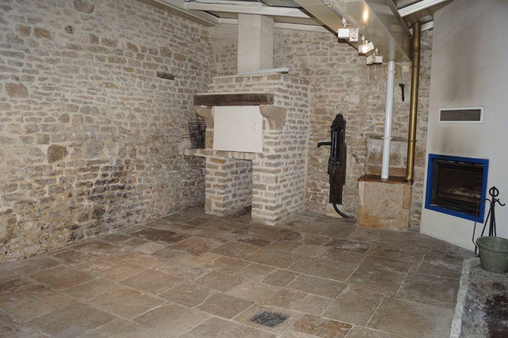 Maison à vendre 4 107m2 à Langres vignette-2