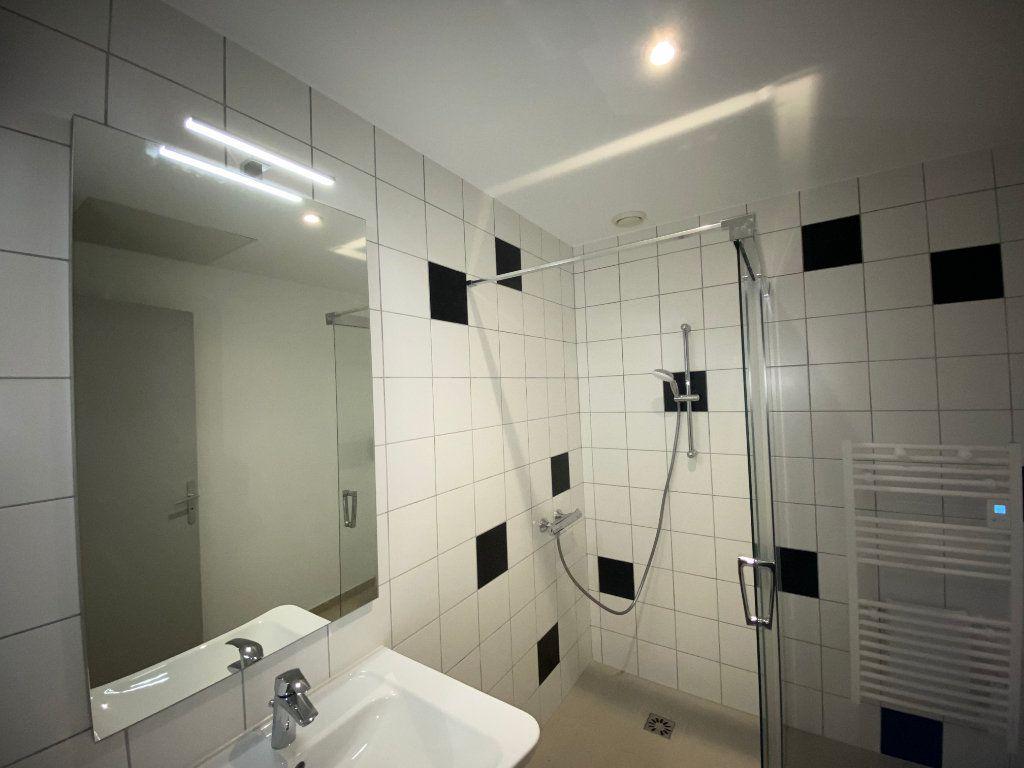 Appartement à louer 2 56m2 à Beauchemin vignette-3
