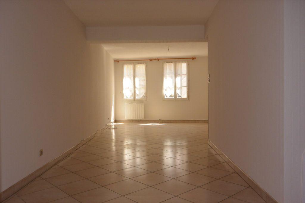 Appartement à louer 3 72m2 à Langres vignette-1