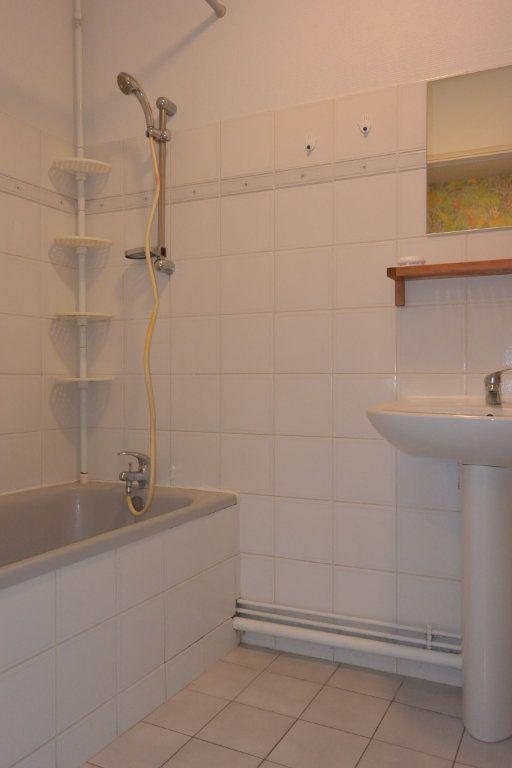 Appartement à louer 3 72m2 à Langres vignette-3