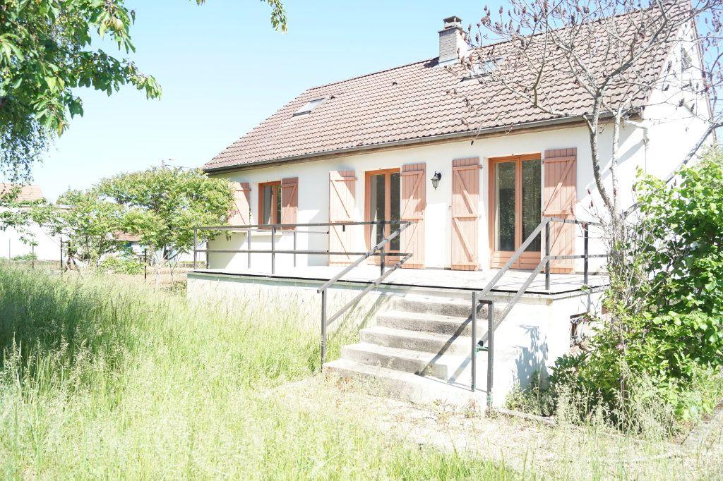 Maison à vendre 5 109m2 à Chaumont vignette-1