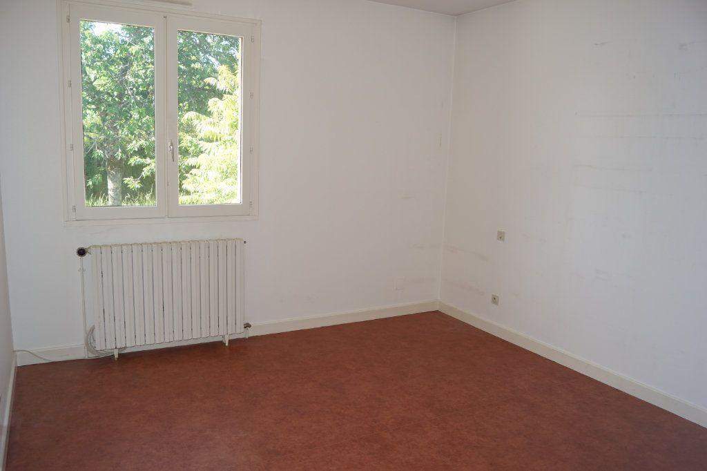 Maison à vendre 5 109m2 à Chaumont vignette-4