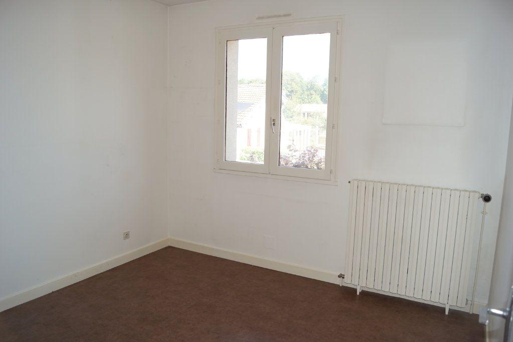 Maison à vendre 5 109m2 à Chaumont vignette-5