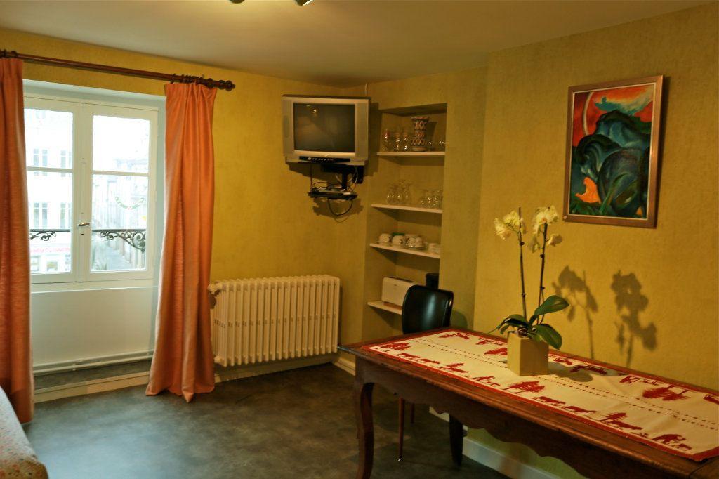 Appartement à louer 1 15m2 à Langres vignette-3