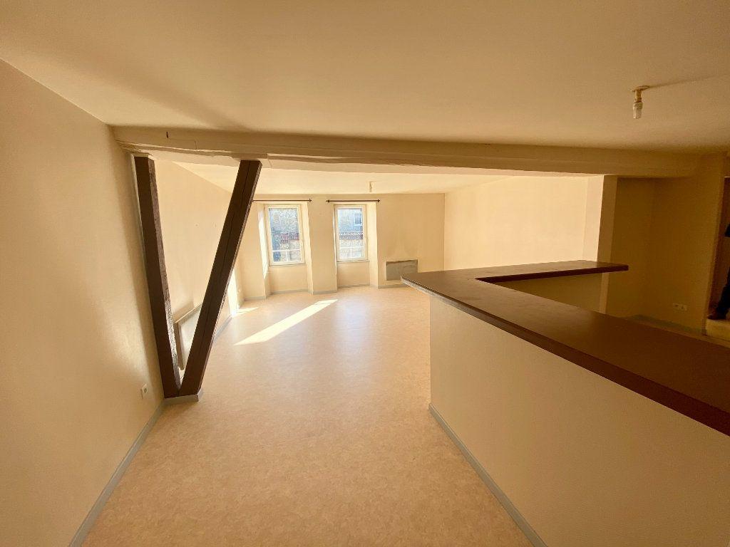 Appartement à louer 3 67m2 à Langres vignette-1