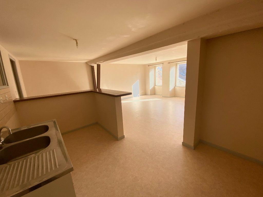Appartement à louer 3 67m2 à Langres vignette-3