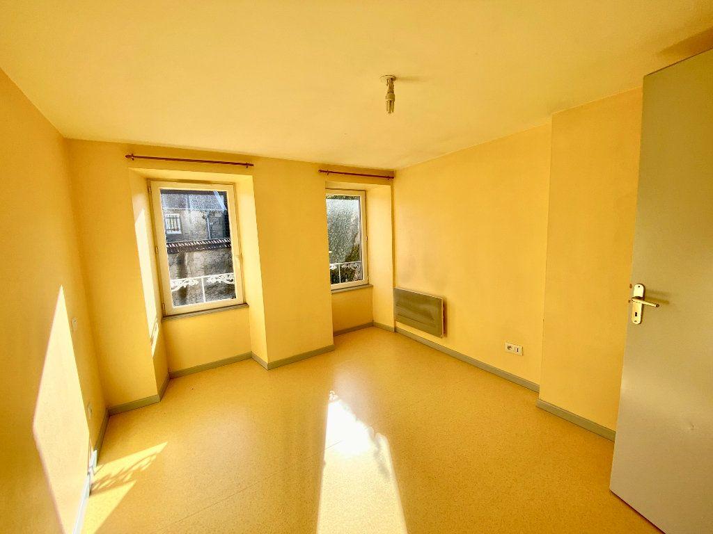 Appartement à louer 3 67m2 à Langres vignette-4