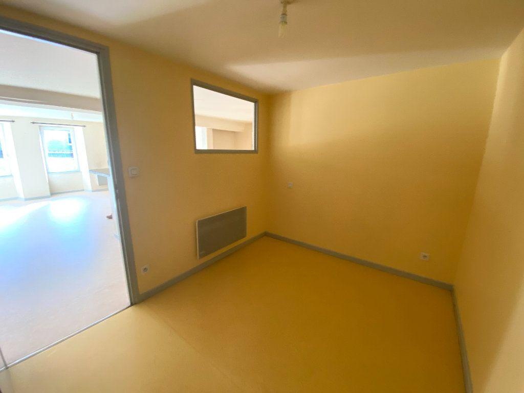Appartement à louer 3 67m2 à Langres vignette-5