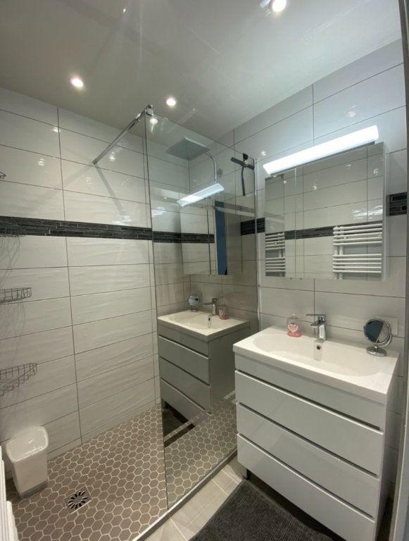 Appartement à louer 3 65m2 à Chaumont vignette-5