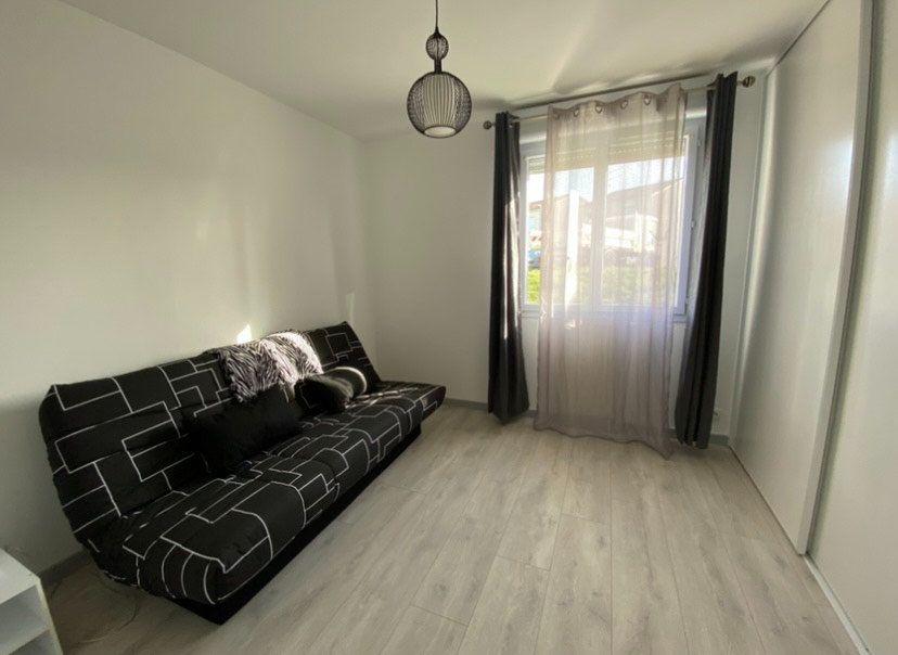 Appartement à louer 3 65m2 à Chaumont vignette-6