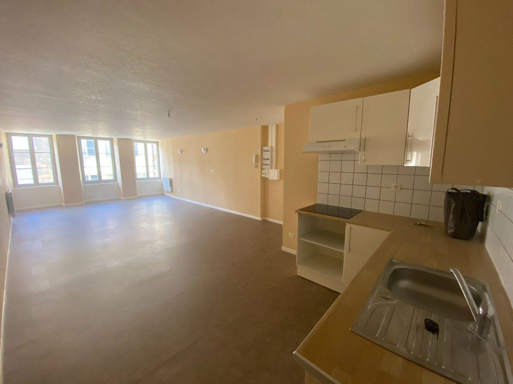 Appartement à louer 2 76m2 à Langres vignette-1