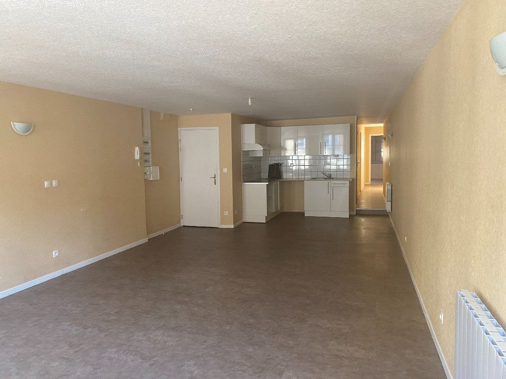 Appartement à louer 2 76m2 à Langres vignette-3