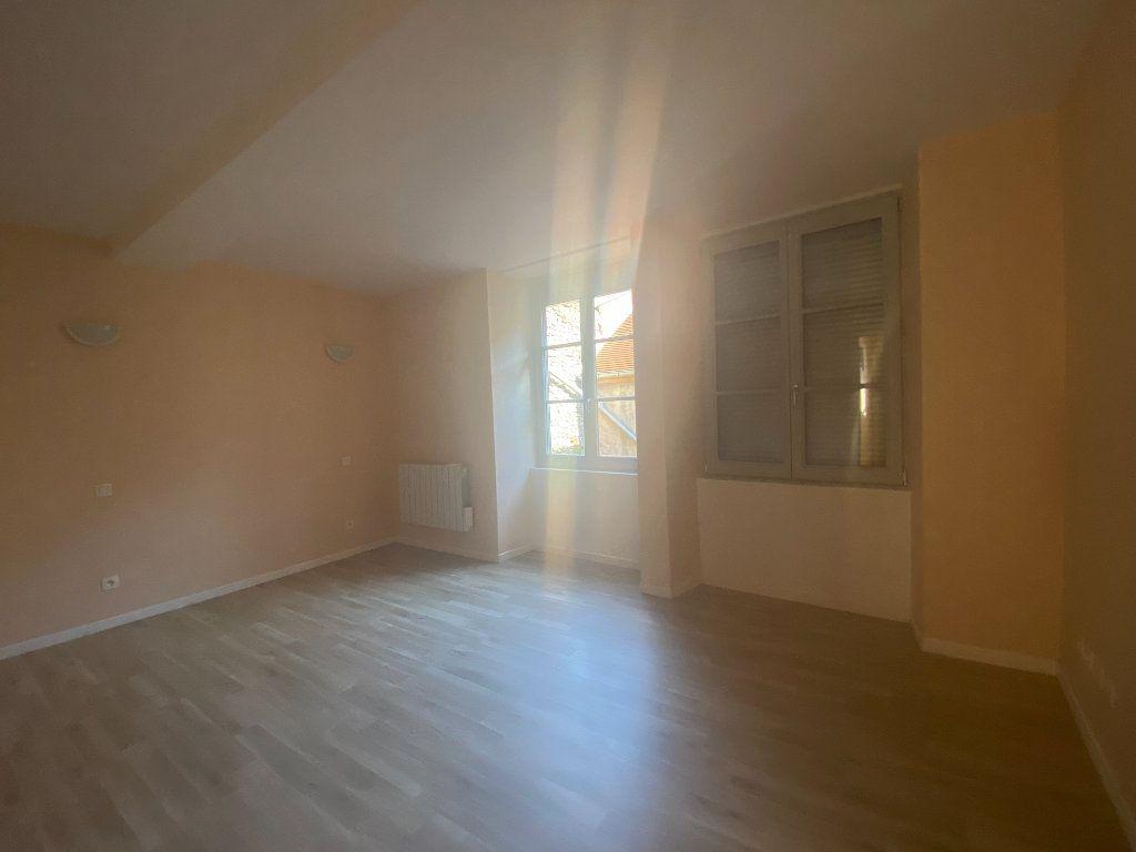 Appartement à louer 2 76m2 à Langres vignette-5