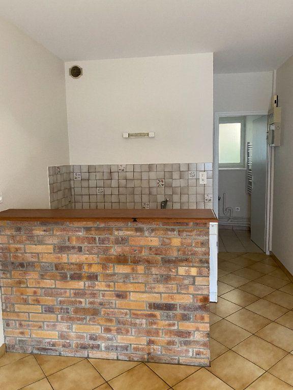 Appartement à louer 1 20m2 à Langres vignette-2
