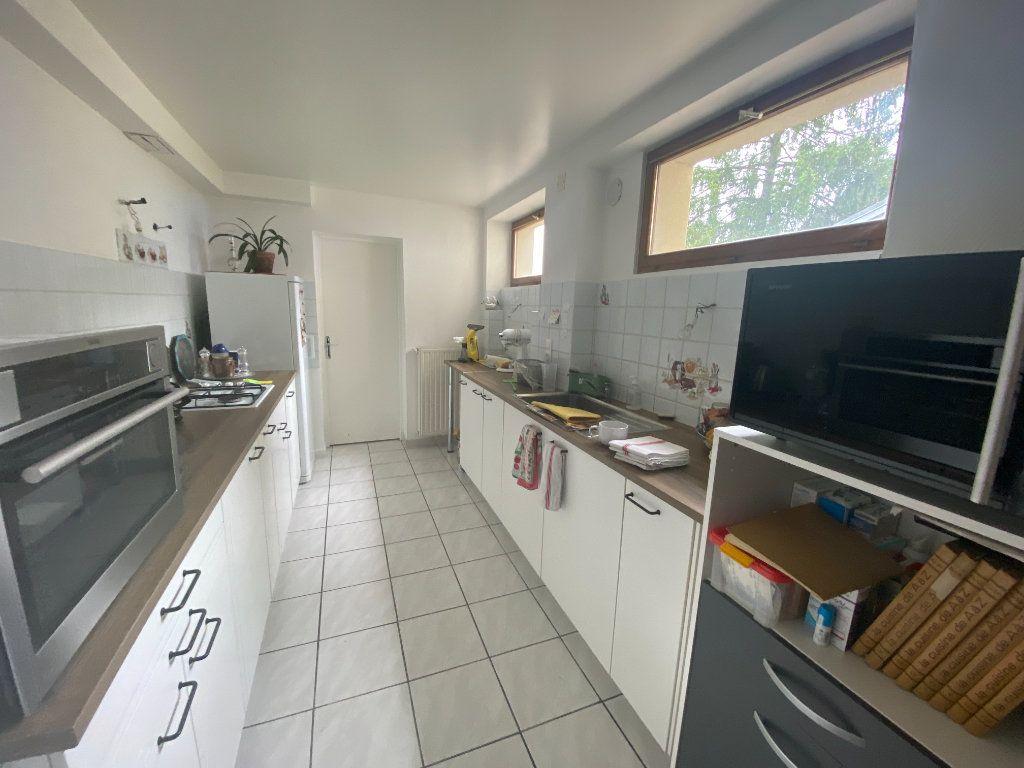 Maison à louer 4 105m2 à Rolampont vignette-1