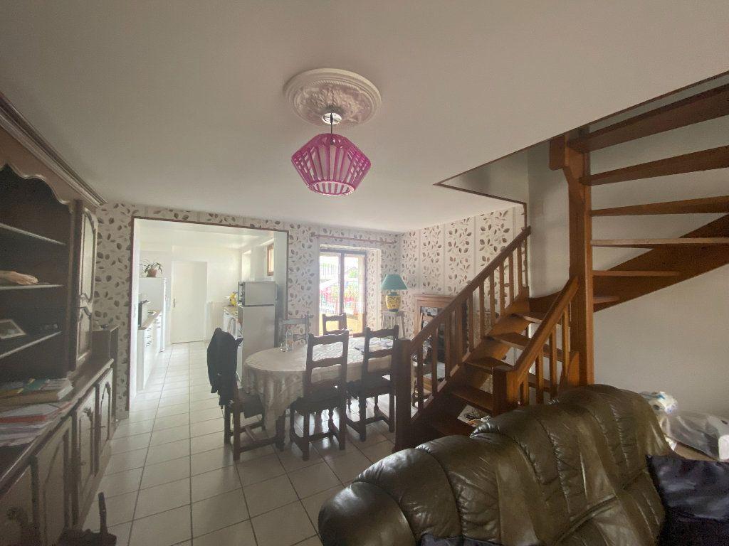 Maison à louer 4 105m2 à Rolampont vignette-2