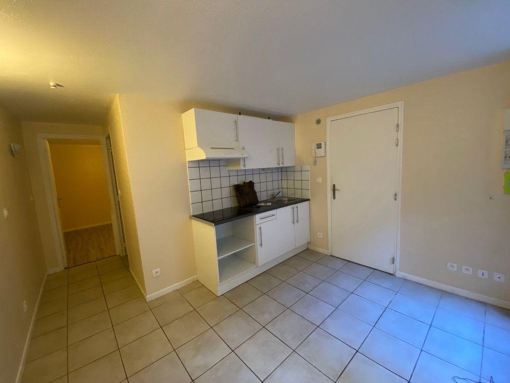 Appartement à louer 2 26m2 à Langres vignette-1