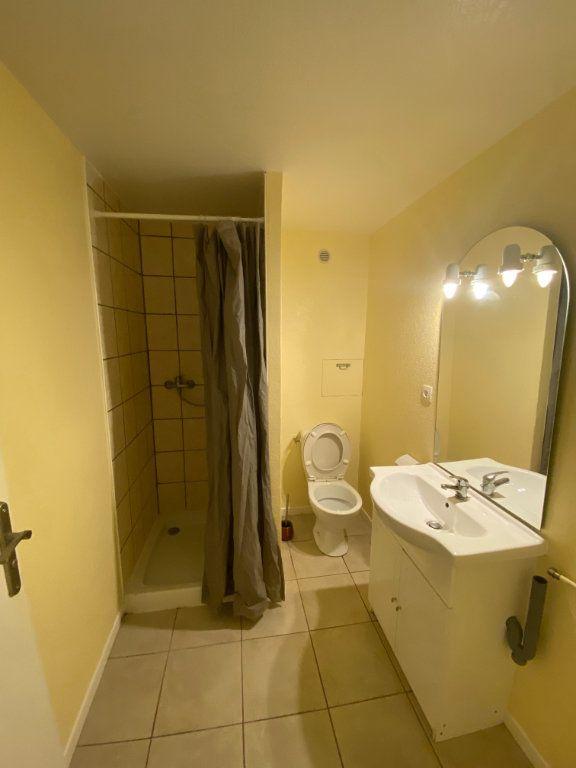 Appartement à louer 2 26m2 à Langres vignette-3