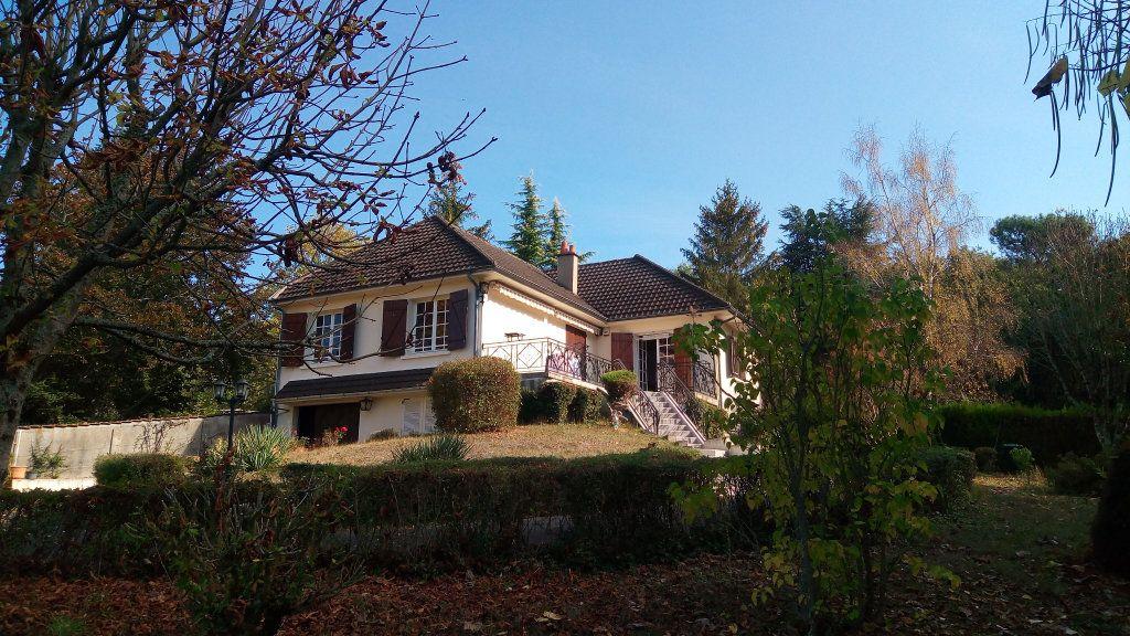 Maison à vendre 4 106m2 à Noyers-sur-Cher vignette-1
