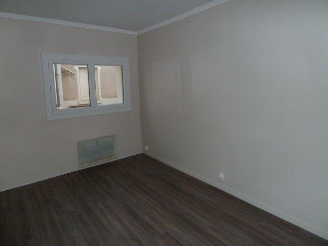 Appartement à louer 2 30m2 à Saint-Aignan vignette-3