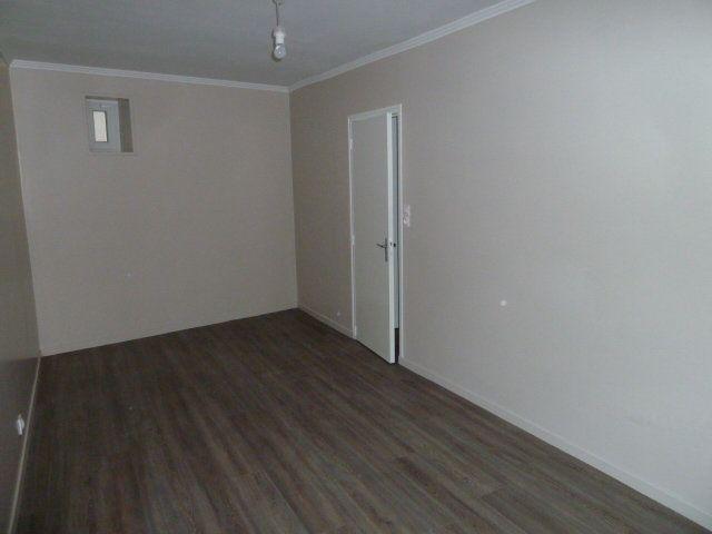 Appartement à louer 2 30m2 à Saint-Aignan vignette-4