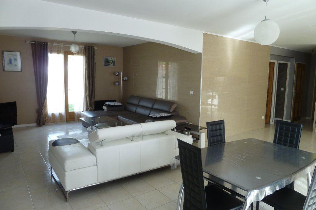 Maison à vendre 6 158m2 à Noyers-sur-Cher vignette-3