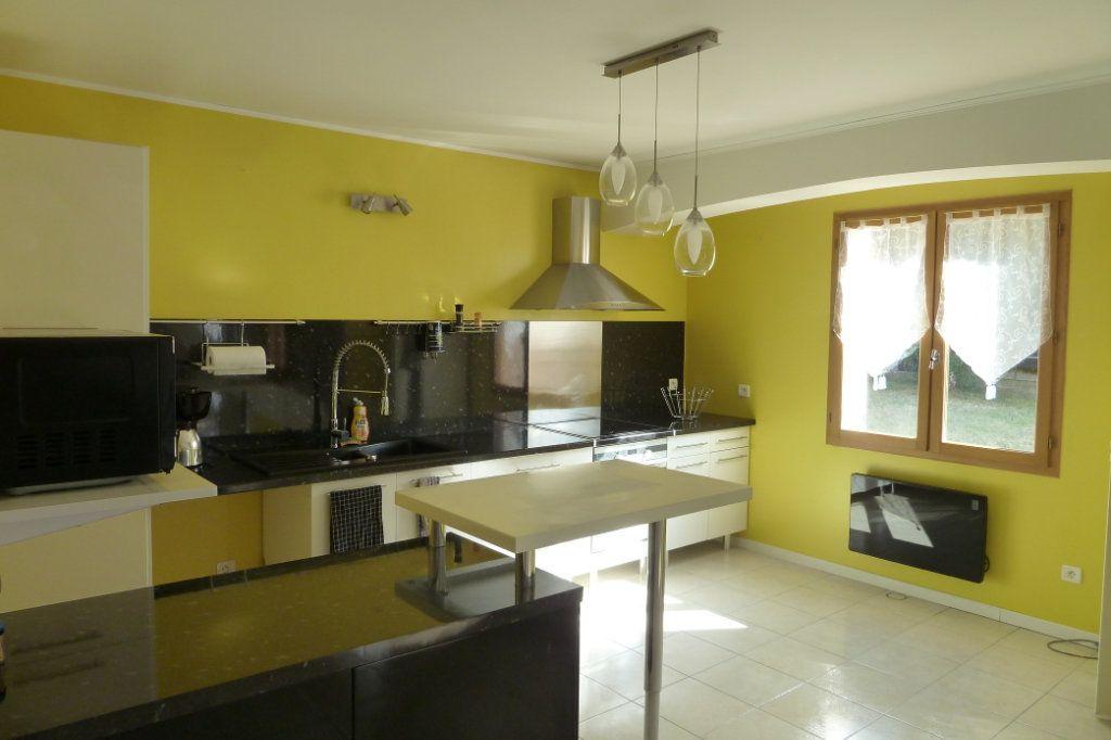 Maison à vendre 6 158m2 à Noyers-sur-Cher vignette-4