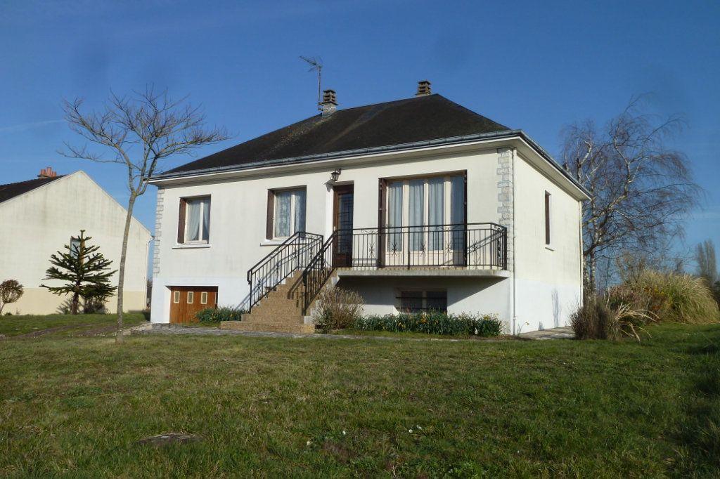Maison à vendre 3 90m2 à Pouillé vignette-1