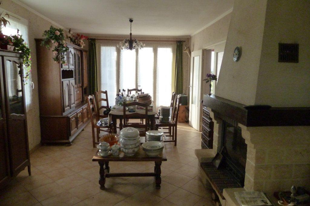 Maison à vendre 3 90m2 à Pouillé vignette-3