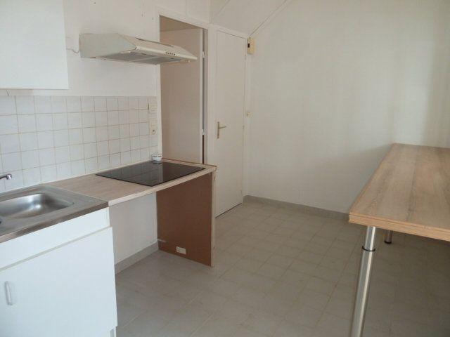 Maison à louer 2 40m2 à Noyers-sur-Cher vignette-3