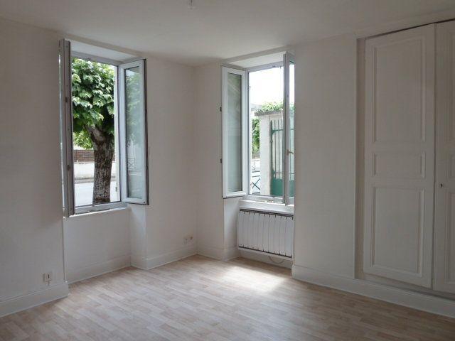 Maison à louer 2 40m2 à Noyers-sur-Cher vignette-5