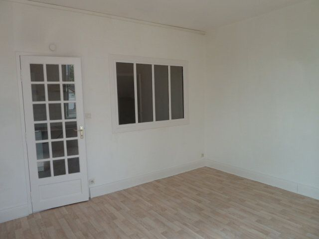 Maison à louer 2 40m2 à Noyers-sur-Cher vignette-6