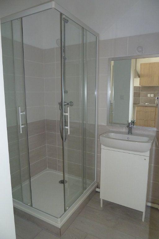 Appartement à louer 1 20m2 à Noyers-sur-Cher vignette-3