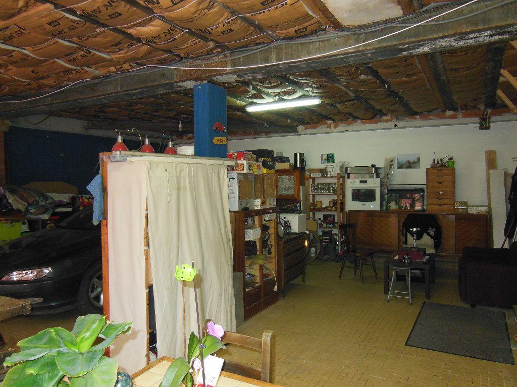Maison à vendre 8 151m2 à Douarnenez vignette-16