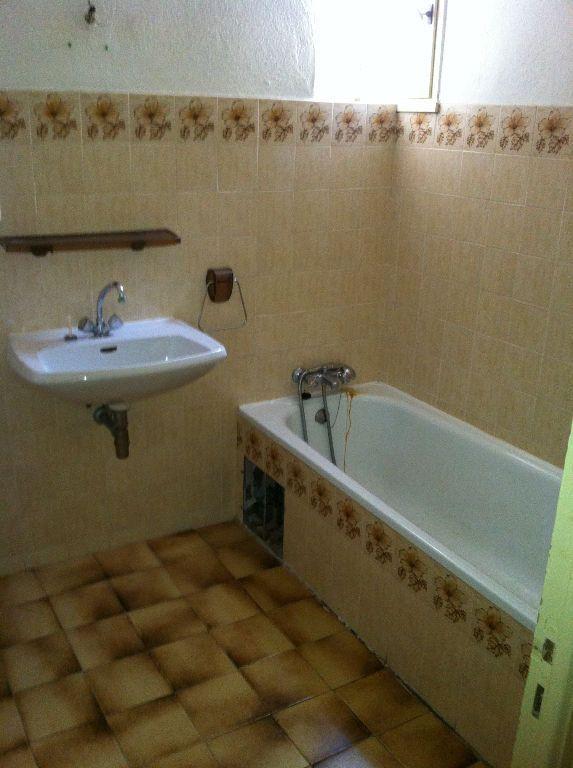 Appartement à louer 3 66m2 à Arles vignette-7