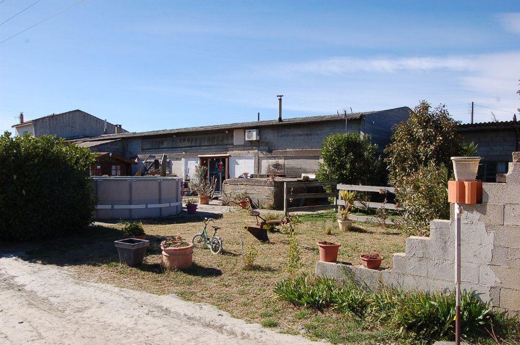 Maison à vendre 10 435m2 à Beaucaire vignette-1